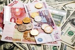 Roubles russes, euro et dollars de notes Images libres de droits