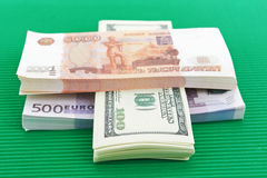 Roubles russes, euros et dollars Photo libre de droits