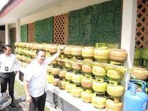 Roubo central de Java Police Unload Gas LPG com modo da injeção imagem de stock royalty free