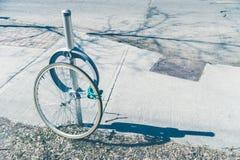 Roubo da bicicleta com roda fechado foto de stock