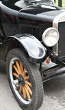 Roue, amortisseur et phare de vieille voiture Photographie stock libre de droits