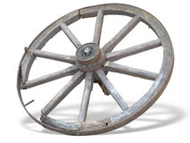 Roue antique de chariot faite en en bois et bordé de fer d'isolement au-dessus du whi Photo libre de droits