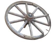 Roue antique de chariot faite en en bois et bordé de fer d'isolement au-dessus du whi Photos stock