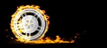Roue brûlante rouge sur le bacgkround noir illustration 3D Photographie stock libre de droits