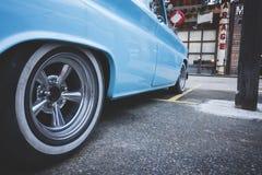 Roue classique de foyer sélectif de voiture des USA de vintage de voiture images stock