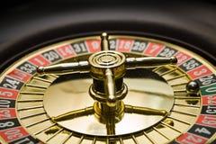 Roue d'or de roulette Photos libres de droits