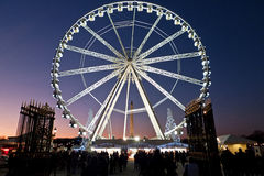 Roue de Ferris Paris la nuit Photos stock