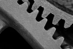 Roue dentée en acier noire Photo stock
