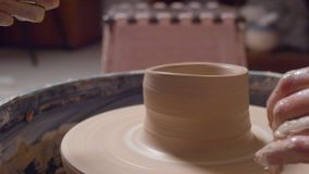 Roue tournante de poterie banque de vidéos