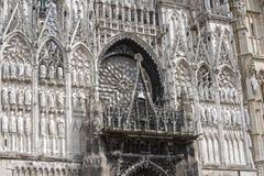 Rouen - domkyrkafacade royaltyfri bild
