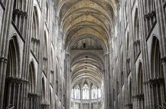 Rouen - domkyrkainterior royaltyfri fotografi