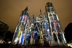 Rouen - domkyrkan på natten Royaltyfri Bild