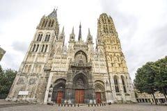 Rouen - Facade av domkyrkan royaltyfria bilder