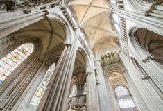 ROUEN, FRANCIA - 14 GIUGNO 2014: Interno della cattedrale di Rouen (Notr Immagini Stock Libere da Diritti