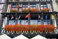 Rouen - yttersida av den forntida slotten Arkivfoton