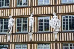 Rouen - yttersida av det forntida huset Royaltyfri Fotografi