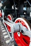 Roues énormes de vieille locomotive à vapeur soviétique Image stock