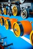 Roues d'entraînement et rouleaux auxiliaires d'une éolienne automatique Photos stock