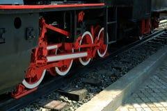 Roues d'une vieille locomotive à vapeur Images stock