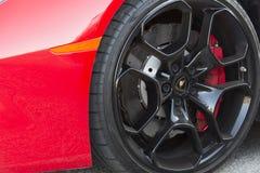 Roues de Lamborghini photographie stock