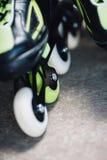 Roues de plan rapproché de patins de rouleau Photos libres de droits