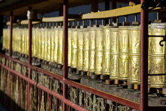 Roues de prière au monastère de Gyantze Photos stock