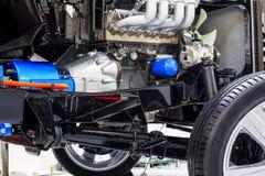 Roues de véhicule avec le plan rapproché d'écorché de moteur à combustion interne Photos stock