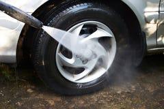 Roues de véhicule de lavage Image stock