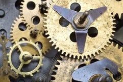 Roues dentées à l'intérieur de mécanisme d'horloge Photo libre de droits
