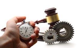 Roues dentées, marteau et chronomètre en acier Image libre de droits