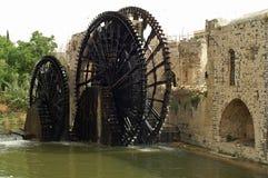 Roues hydrauliques en bois célèbres dans Hama en Syrie Photo libre de droits