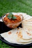 Rouge chaud écarté avec la tortilla Photo libre de droits
