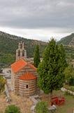 Rouge couvert peu d'église Photo stock