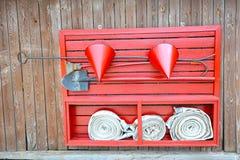 Rouge de bouclier du feu photographie stock libre de droits