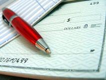 rouge de crayon lecteur de chèque bancaire photographie stock
