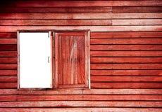 Rouge en bois de mur de fenêtre photo libre de droits