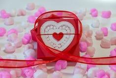 Rouge en forme de coeur Image stock