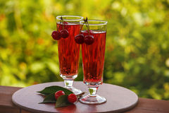 Rouge et cerise de boissons Images stock