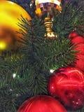 Rouge et ornements de vacances d'or photographie stock