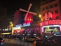 Rouge för moulin Europa Frankrike Paris för härlig sikt arkivbild