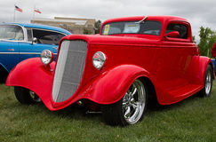 Rouge Ford Coupe 1933 Photos libres de droits