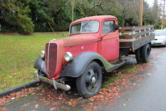 1940 rouge Ford Pickup Truck Photos libres de droits