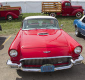 1957 rouge Ford Thunderbird Front View Photographie stock