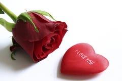 Rouge rose et coeur Photo stock