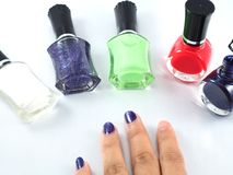 Rouge vert blanc de colur de vernis à ongles Images libres de droits