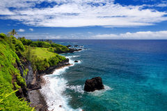 Rough and rocky shore at east coast of Maui, Hawaii Stock Photography