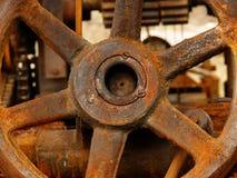 Rouillé de fer de roue vieux photographie stock libre de droits