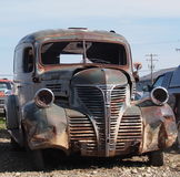 Rouillée voiture ancienne Photo libre de droits