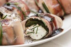 roulade avec du fromage et la ciboulette Image stock