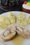 Roulade da galinha com chá e queque Fotografia de Stock